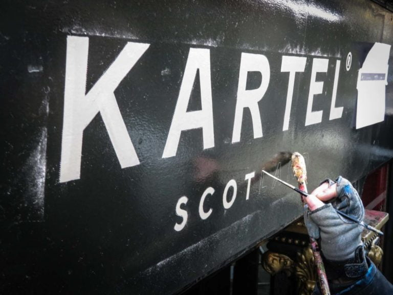 Signwriting shop in St Andrews