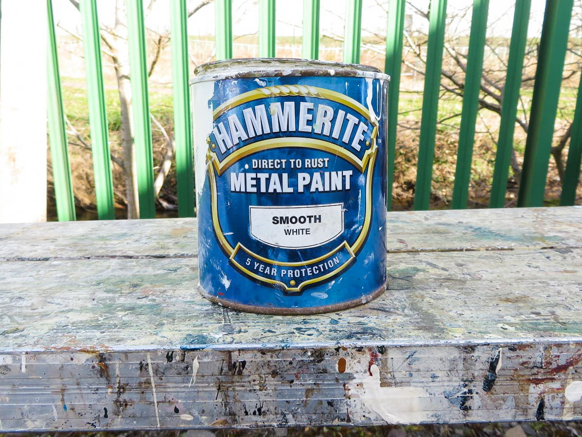 How to paint with metal paints in Dundee