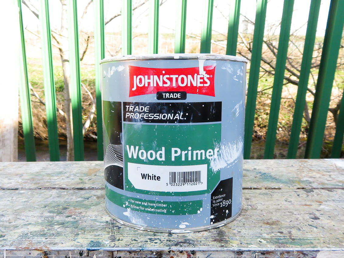 Which kind of primer do I use for wood painting?
