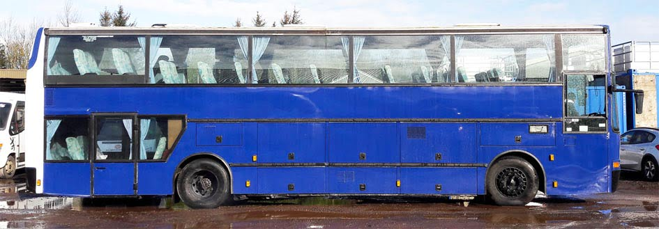 Coach graphics in Dundee