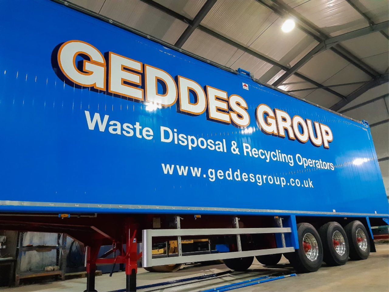 Trailer graphics in Dundee