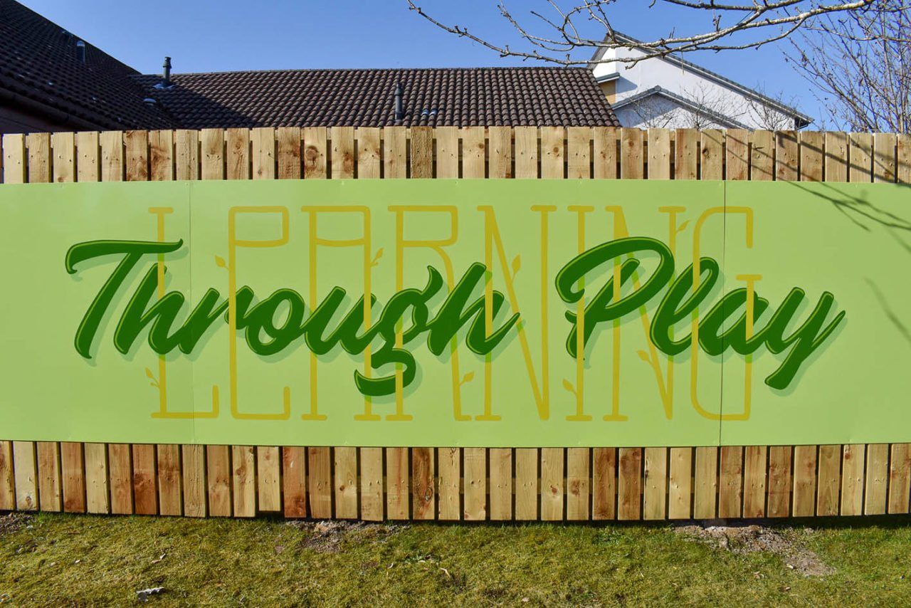 Painted lettering in Dundee