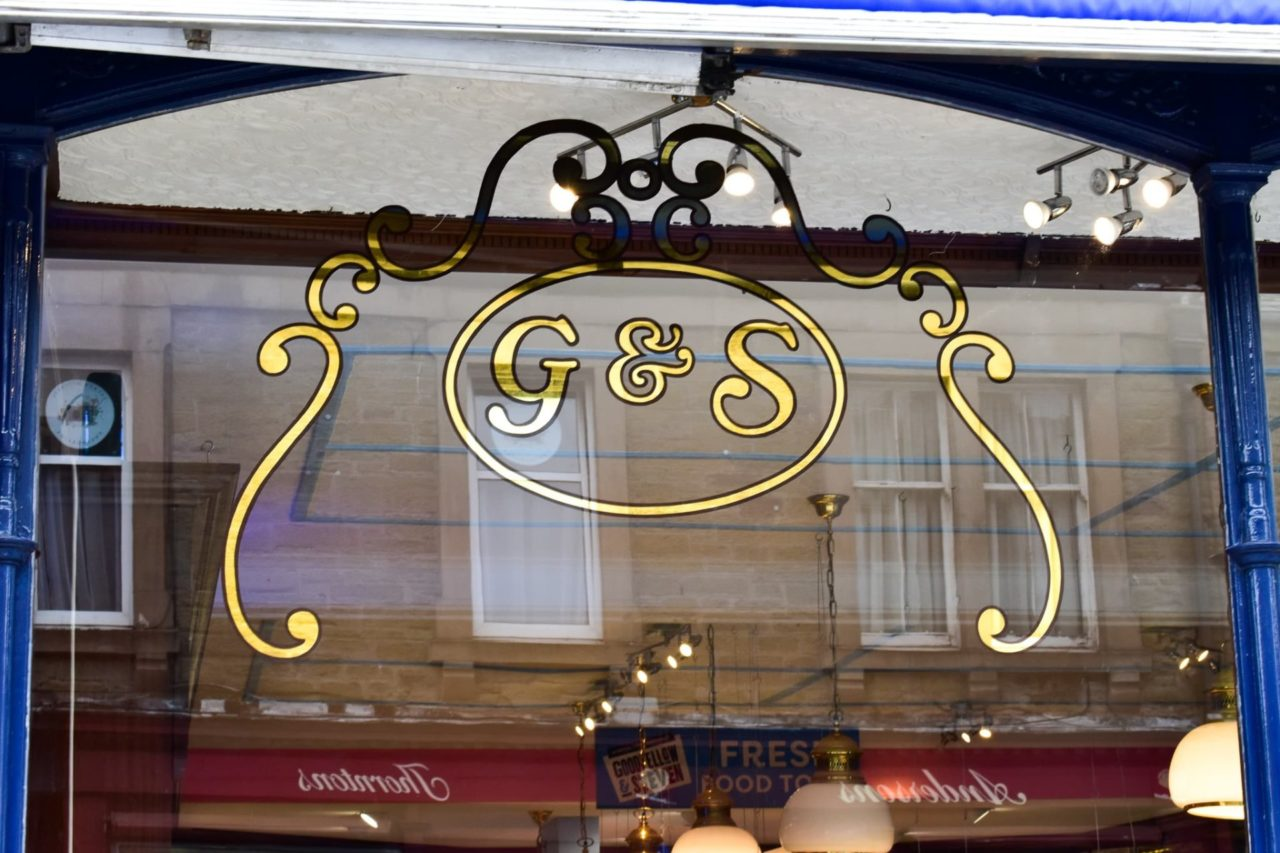 Gold leaf signwriting Dundee